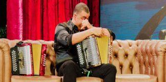 Rolando-Ochoa-llorando-en-el-programa-de-Juanda-Caribe